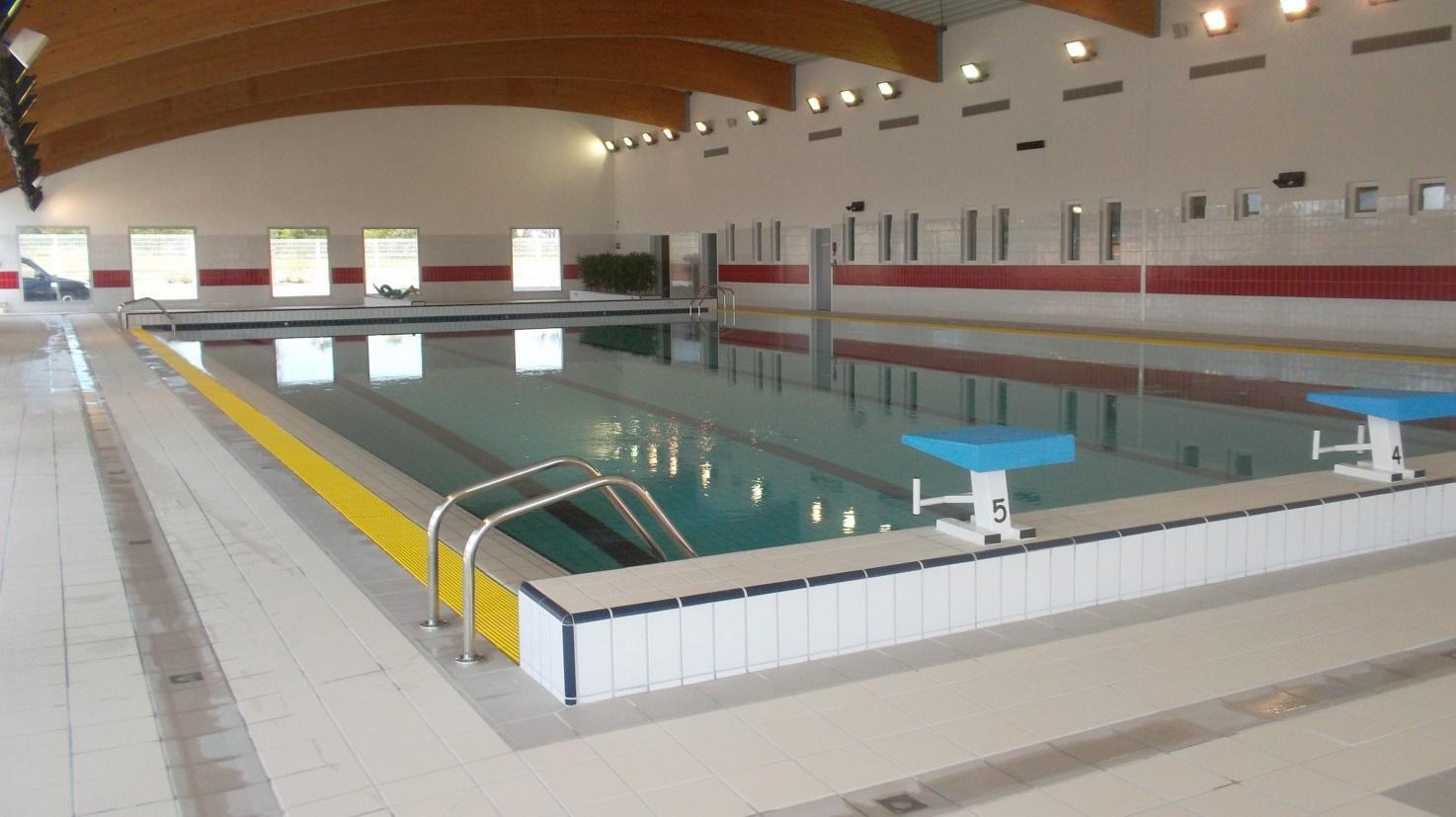 Réalisation local technique piscine intérieur pompe et filtration APH 84
